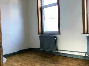 Chambre à louer - Ath<br /> Située au 1er étage, (Chaussée de Bruxelles, 4)<br /> Chambre de 4m2<br /> Avec espaces commun