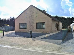 Instapklare, gelijkvloerse woning, rustig gelegen te Koersel-Beringen.Indeling:* inkomhal, ruime woonkamer met keuken, badkamer, berging/wasplaats, 2