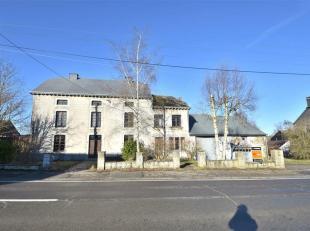 BERTOGNE (Grand Rue): Offre à partir de 180.000euro, imposante bâtisse de style maison de maître à mettre au goût du j