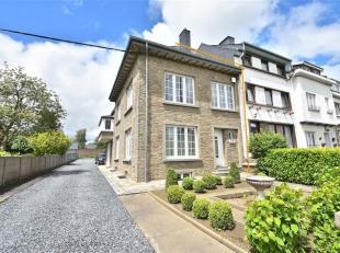 BASTOGNE (Rue Pierre Thomas): Maison de maitre entièrement rénovée située à proximité immédiate du ce