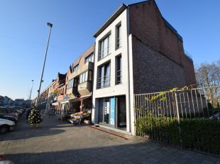 Schitterend gelegen opbrengsteigendom in centrum Dendermonde (Oude Vest), bestaande uit een handelsgelijkvloers , een éénslaapkamerappar