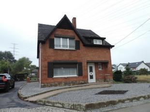 Rustig gelegen gezinswoning (OB) met tuin. De verzorgde woning heeft een bewoonbare oppervlakte van +/- 205m² en heeft volgende indeling op het g