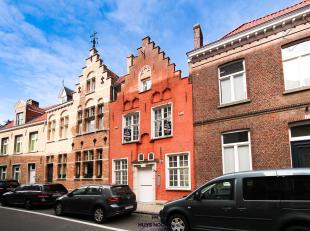 Wonen in een rustige buurt dichtbij Prof. Dr. J. Sebrechtspark in hartje Brugge.<br /> Deze uiterst charmante gerenoveerde herenwoning met top afwerki