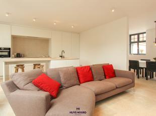 ** CONTACTEER ONS KANTOOR VOOR DE EINDEJAARSVOORWAARDEN IN DIT PROJECT, NIET TE MISSEN **<br /> <br /> Bel appartement triplex (+/- 144 m²) de 3