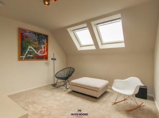 We vinden dit luxueus afgewerkt appartement terug in een kleinschalige residentie van vier appartementen op een boogscheut van Centrum-Brugge. Het app