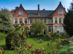 Wonen in een oase van rust in de binnenstad. <br /> Dit verborgen stadspaleis in hartje Brugge met een magnifieke tuin, hoge plafonds, prachtige woonv