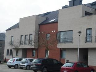 Nieuwstraat 112A bus 01 - D°361A<br /> Hal - Living - Terras (±16 m²)<br /> Keuken met kasten, aanrecht, spoelbak, koelkast, keramisch