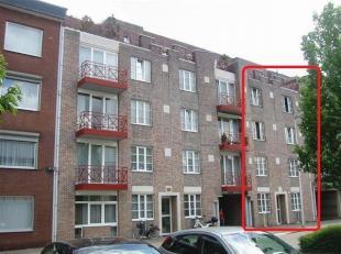 Hospitaalstraat 7<br /> Dit appartementsgebouw gelegen nabij het centrum van Genk, bestaat uit maar liefst 16 studios waarvan er 15 worden verkocht.<b