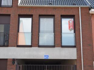 Residente De Smisse => Kapelstraat - Poststraat - Nanofstraat<br /> Nog enkele ondergrondse staanplaatsen beschikbaar.<br /> Prijs : 16.500 euro (e