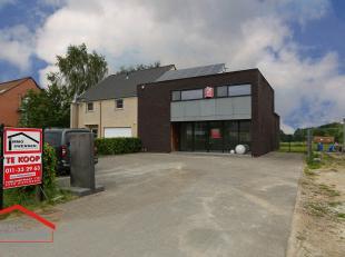 Steenweg 198, Diepenbeek - Ref. VK18-017<br /> De benedenverdieping heeft oorspronkelijk dienst gedaan als architectenbureau en is dan ook ontworpen n