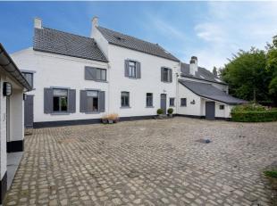 Gerenoveerde villa met behoud van authentieke elementen op de grens van de gemeente Lasne, Maransart en Waterloo.<br /> Deze schitterende eigendom is