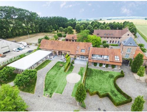 Maison à vendre à Celles, € 3.500.000