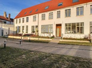 """Nieuwbouwwoningen op topligging binnen historische stadskern van Brugge. Het open karakter van de kloostertuinen van """"Het Theresianenhof"""", reeds dater"""