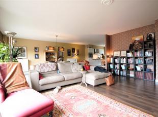 Dit modern 3 slaapkamer DUPLEX-appartement ca. 143m² met riant zonne-terras ca. 50m²gelegen in een rustige en groene omgeving te Mariaburg/B