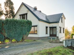 Ruime gezinswoning op een perceel van 14 are 66 ca. Deze (op te frissen) woning heeft een bewoonbare oppervlakte van 216 m² en is rustig gelegen.