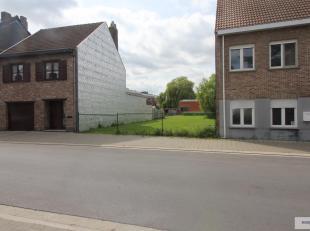 Bouwgrond met mogelijkheden als projectgrond met garages achteraan of als bouwgrond voor ruime gezinswoning