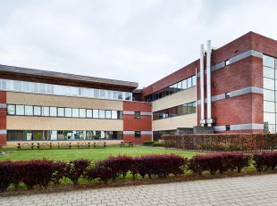 ** EN DIRECT DU PROPRIETAIRE ** - Partie indépendante d'un immeuble de bureaux totalisant 5.105 m² répartis sur 3 &eacute