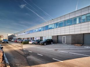 ** EN DIRECT DU PROPRIÉTAIRE ** - ConneXion Park - Au rez-de-chaussée, bureaux lumineux d'une surface totale de 1383 m² + 90 m&sup2