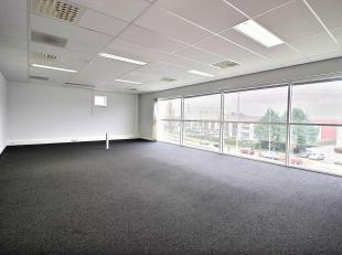 RECHTSTREEKS VAN EIGENAAR - Kantoren (L21tot L27) op de tweede verdieping, in een goed gelegen (treinstation, E19, Ring) kantoorpark te Vilvoorde.1.76