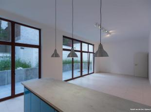 CHATELAIN/MA CAMPAGNE. Première occupation! Magnifique appartement +/- 135 m2, 3CH, 3SDD, balcons, situé au RDC avec jardin d'un b&acirc