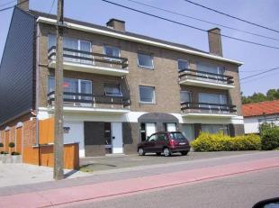 Dit ruim appartement is als volgt ingedeeld : inkom- / nachthal, toilet, woonkamer met balkon, berging, 3 GROTE SLAAPKAMERS, badkamer (ligbad / douche