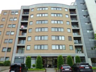 Genk, Jan Habexlaan 9 bus 21 – Ruim en licht appartement (150m2) met 3 slaapkamers, 2 badkamers, zuidgericht terras (15m2) en balkon.   <br /> <br />