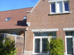Genk, Sint-Janspark 36 - Gezellige woning met 1 slaapkamer, een bureel / logeerkamer, een terras / tuintje en een autostaanplaats.<br /> <br /> Dit hu