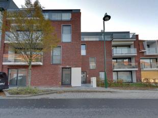 """Op de 3de verdieping van de stijlvolle en kleinschalige Residentie """"Louise II"""" bevindt zich een uniek en hoogstaand afgewerkt 2-slaapkamer appartement"""