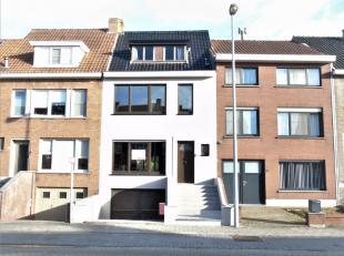 Goed gelegen woning nabij scholen, sportcentra en alle winkels van de Maalsesteenweg. Indeling: inkom, toilet, living met zicht op tuin, keuken, trap