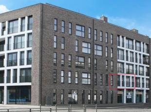 Recent appartement (2 SLK) op 1ste V. Hal: vestiaire, living met veel lichtinval met aansluitend een volledig ingerichte keuken (kookplaat, dampkap, d