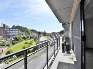 Bel appartement 3 chambres offrant une surface habitable de +/-180m² - idéalement situé au centre d'Overijse à proximit&eacu
