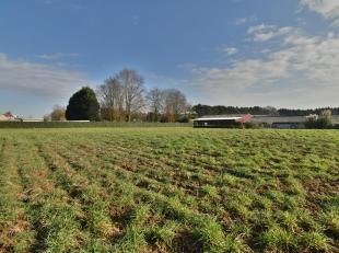 Terrain à bâtir de 15are33 avec vue sur les champs - le terrain à bâtir consiste à construire une maison 3 faç