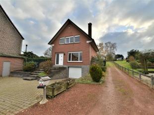 Aangename op te frissen woning gelegen in Tervuren op een terrein van +/-29are - deze woning biedt een bewoonbare oppervlakte van +/-140m²: inkom