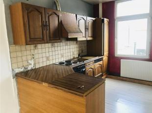 Appartement lumineux comprenant living, cuisine équipée, salle de douche, 2 chambres. Confort du bien; A parachever, châssis doubl