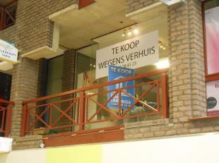 Handelspand op eerste verdieping, goed zichtbaar aan de hoofdingang van SHOPPING 2 te Genk. Vandaag al 14 jaar een zeer goed draaiende nagelstudio, te