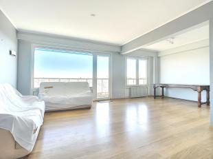 Très bel appartement situé au 8ème étage d'un immeuble de 12 étages avec ascenseur. L'appartement se compose d'un h