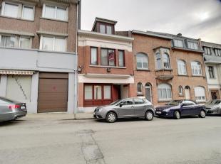 Saint-Julien, à proximité de toutes les facilités, maison unifamiliale à moderniser de 150m² sur 3 niveaux de 50m&sup