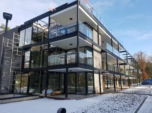 Dit prachtig nieuwbouwappartement is gelegen in Residentie 'Franse Bos' nabij het centrum van Genk.Franse Bos is met zijn unieke bouwvorm en inplantin