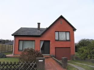 Deze woning is uiterst rustig gelegen in een residentiële buurt in Genk.De woning dateert van het jaar 1976 en beschikt over een mooi perceel van