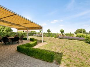 Wonen in het groen Als u ervan droomt om te wonen in een groene omgeving, dan is deze gezellige bungalow misschien wel precies waar u naar opzoek bent