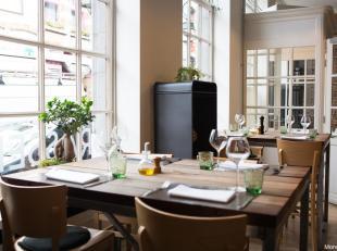 Commerce situé à 20 mètres de la Grand-Place de Mons. Un restaurant en activité de bonne réputation, disposant d'un