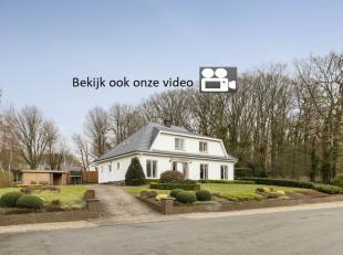 Bekijk onze videobeeldenop www.aabi.be<br /> Wonen in een levensdroom: je doet het in deze verbluffend mooie villa te As.<br /> Absolute rust, vrijhei