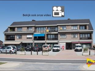 Bekijk de filmopname en plannen op www.aabi.be. Schitterend ruim duplex-appartement met 3 grote slaapkamers en dressing, privatieve afgesloten garage