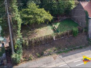 Mooie bouwgrond gelegen in het prachtige dorp Vreren-Tongeren, 1 woongelegenheid halfopen bebouwing. Diepte grond bij benadering 23,5m, diepte rechter