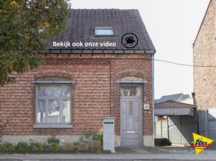 In Hasselt, op 100m van het kanaal en dus op wandelafstand van het centrum, ligt dit charmante huisje. Bekijk zeker eens de PLANNEN EN FILM op onze we