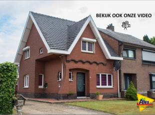 In de omgeving van de welgekende Herestraat ligt deze goed betaalbare gezinswoning. U vindt hierover alle info, plannen, fotos en film om www.AABI.be.