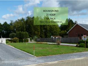 Goed gelegen in Zonhoven ligt deze bouwgrond van 6a 94 ca en een gevelbreedte van 13.90m. De gehele grond is vlak en op straathoogte. Plannen en idee&