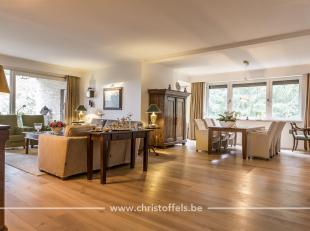 """Dit ruim en luxueus gerenoveerd appartement is gelegen op de 2de verdieping van de kleinschalige residentie Huize """"De Hove"""" in Neerharen. Het appartem"""