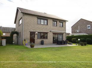 Deze woning is gelegen op een perceel van 594m² in een rustige woonwijk in Rekem, Lanaken. De woning beschikt over 3 slaapkamers, inpandige garag