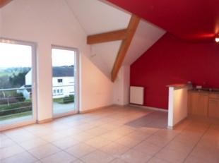 : Appartement de 53 m² 2e étage Liv Cuis équi Sdd Wc 1Ch Cve et Parking. Loyer de 570euro + 75euro (communs et chauff) Libre de sui